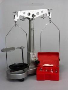 Весы технические с гирями