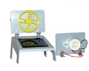 Прибор для демонстрации превращения световой энергии в электрическую